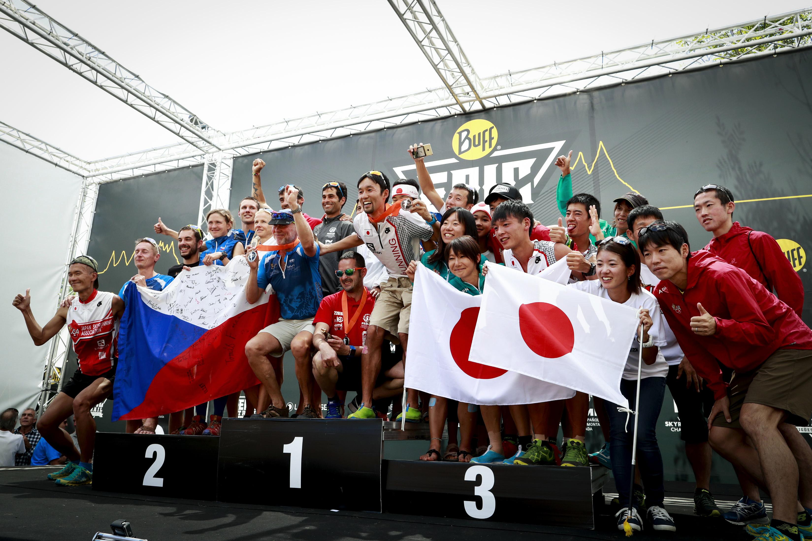 2016スペイン大会では表彰台に乗った日本チーム ?Sho Fujimaki