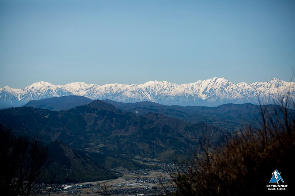 日本にも世界に負けないスカイランニングフィールドがある 🄫Ueda vertical race