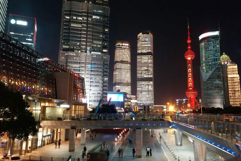 大会会場の超高層ビルは上海浦東の中心に聳える 🄫VWC