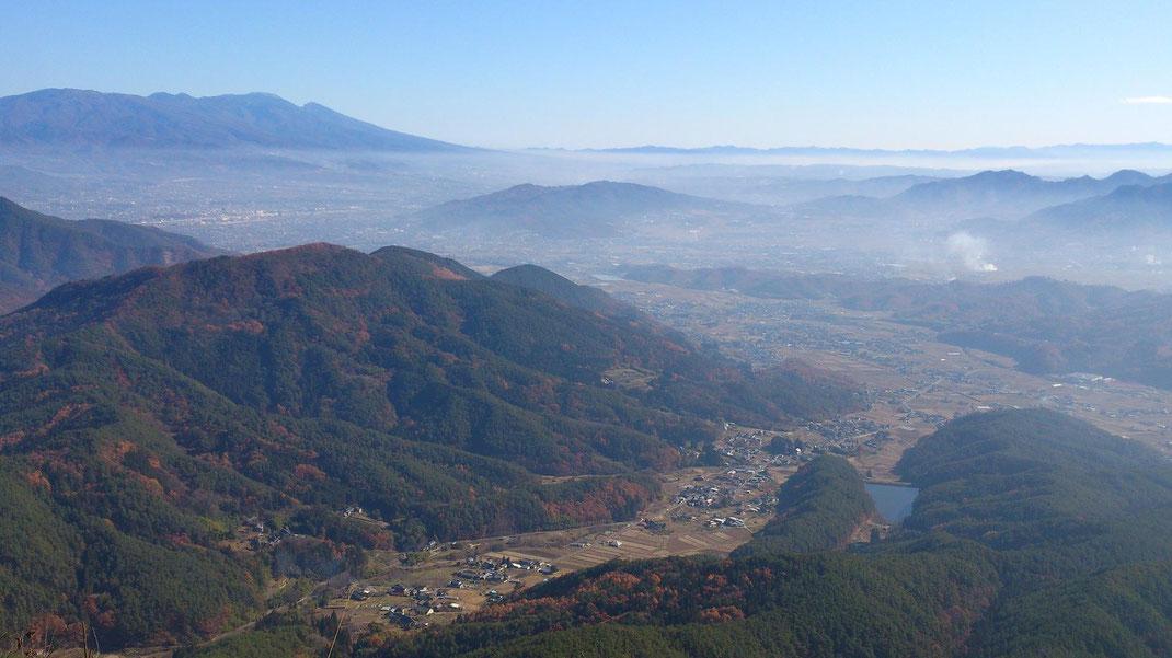 ツールド上田、4峰中の3峰目。子壇嶺(こまゆみ)岳からの眺めは圧巻