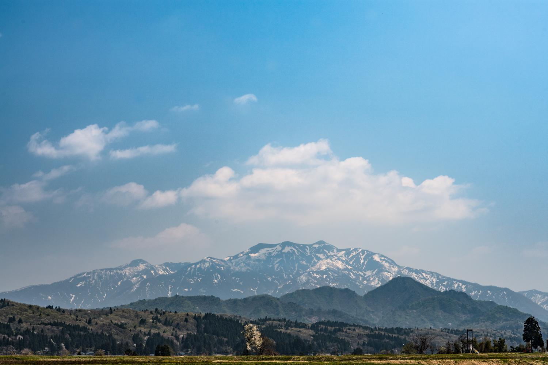 三条市民にとっての心の山。日本の美しい山岳である ©Mt.AWA VK/Sho Fujimaki