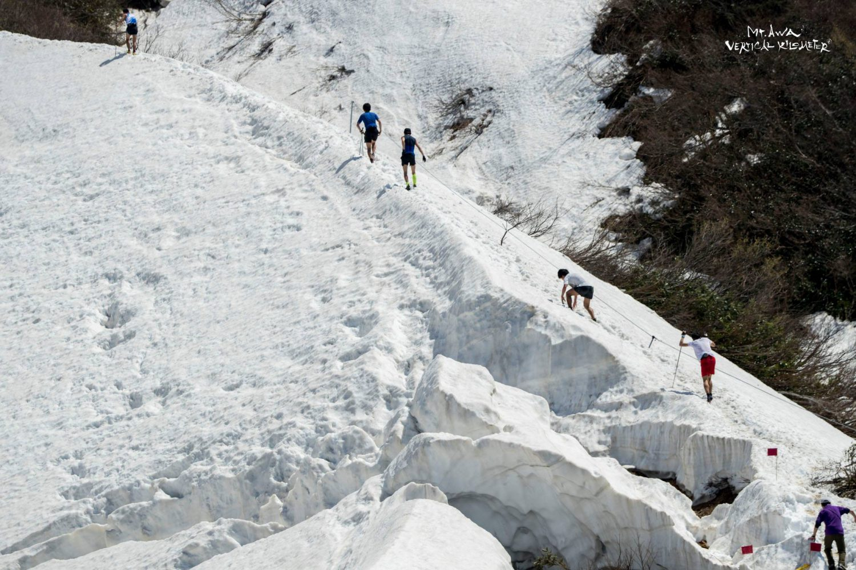 本格的な雪上バーティカルは日本初の開催となった ?Mt.AWA VK/Sho Fujimaki