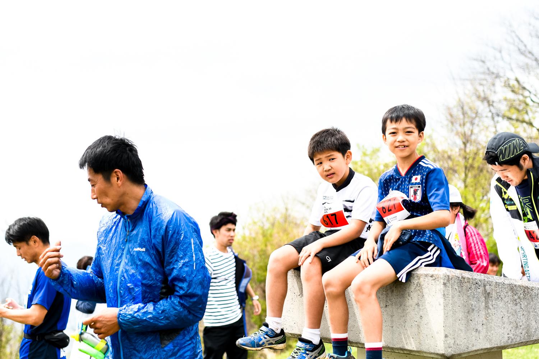 山頂でひと段落♪ ©UEDA VERTICAL RACE/NAGI MUROFUSHI