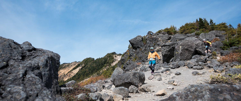 1日目は標高2000m級の水ノ塔山を登山