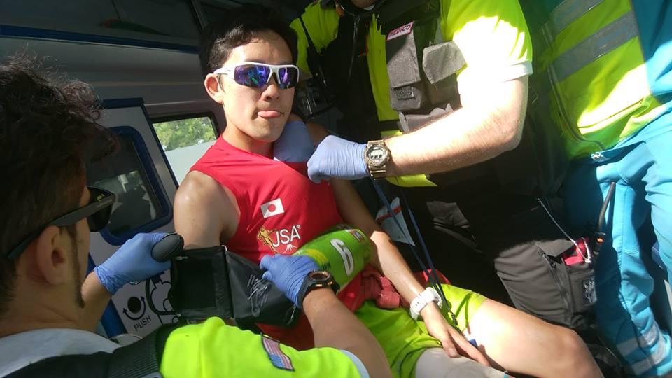 ゴール後、筋肉の様子をチェックしてもらった宮崎。痛みのある中よくゴールした ©JSA