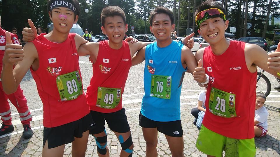 ゴール後、実に清々しい表情のユース選手(左から近江、服部、加藤、鈴木) ©JSA