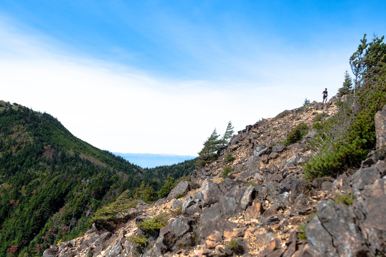 澄み切った青空の下の快速登山ほど爽快なものはないが多くの危険も潜む