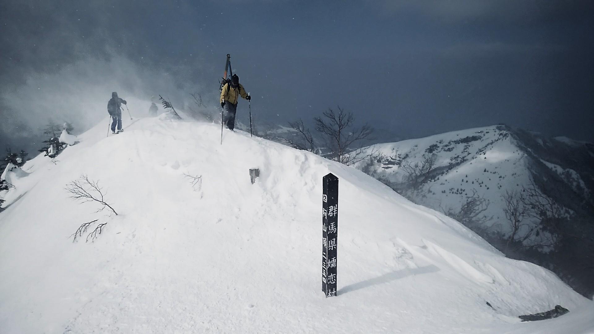 雪の多い地域は山岳スキー(SKIMO)天国だ