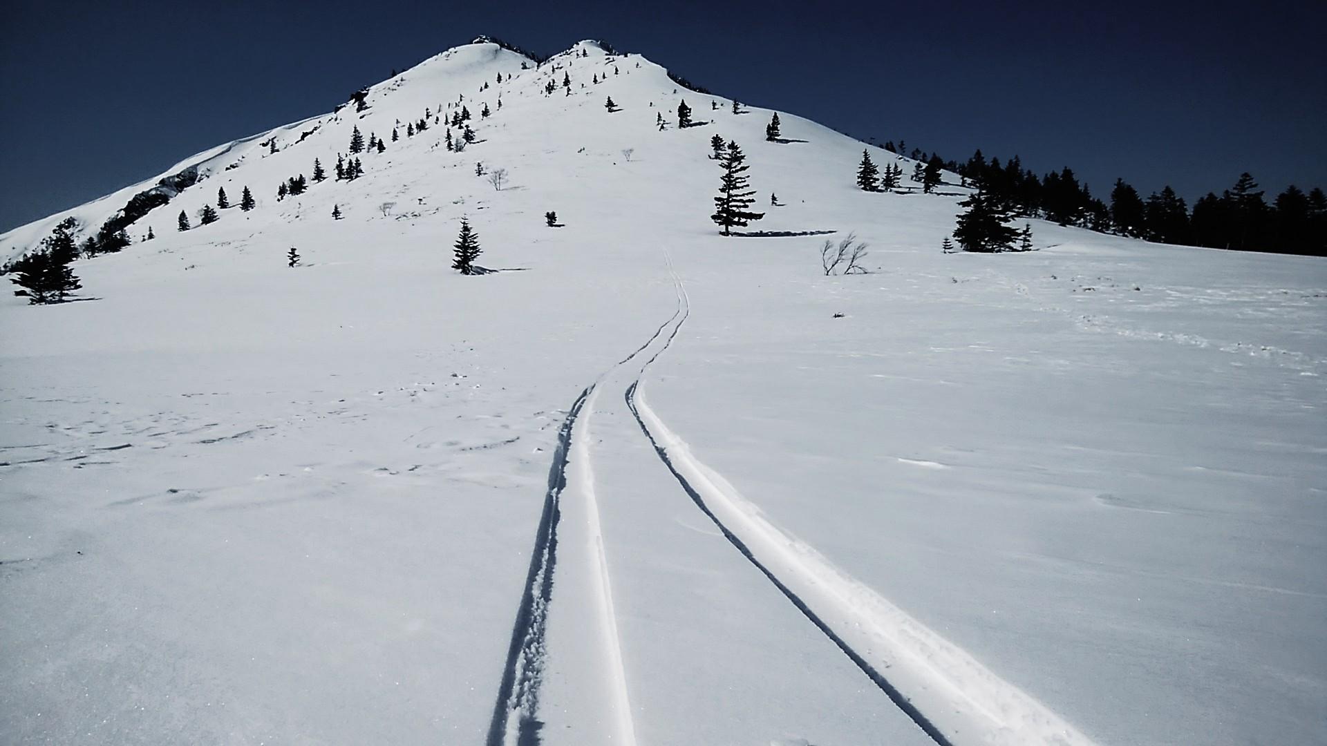 スキー?スノーシュー?ツボあし?。冬の快適登山のためには様々な選択肢をもつべきであり、それがリスク軽減にもつながる
