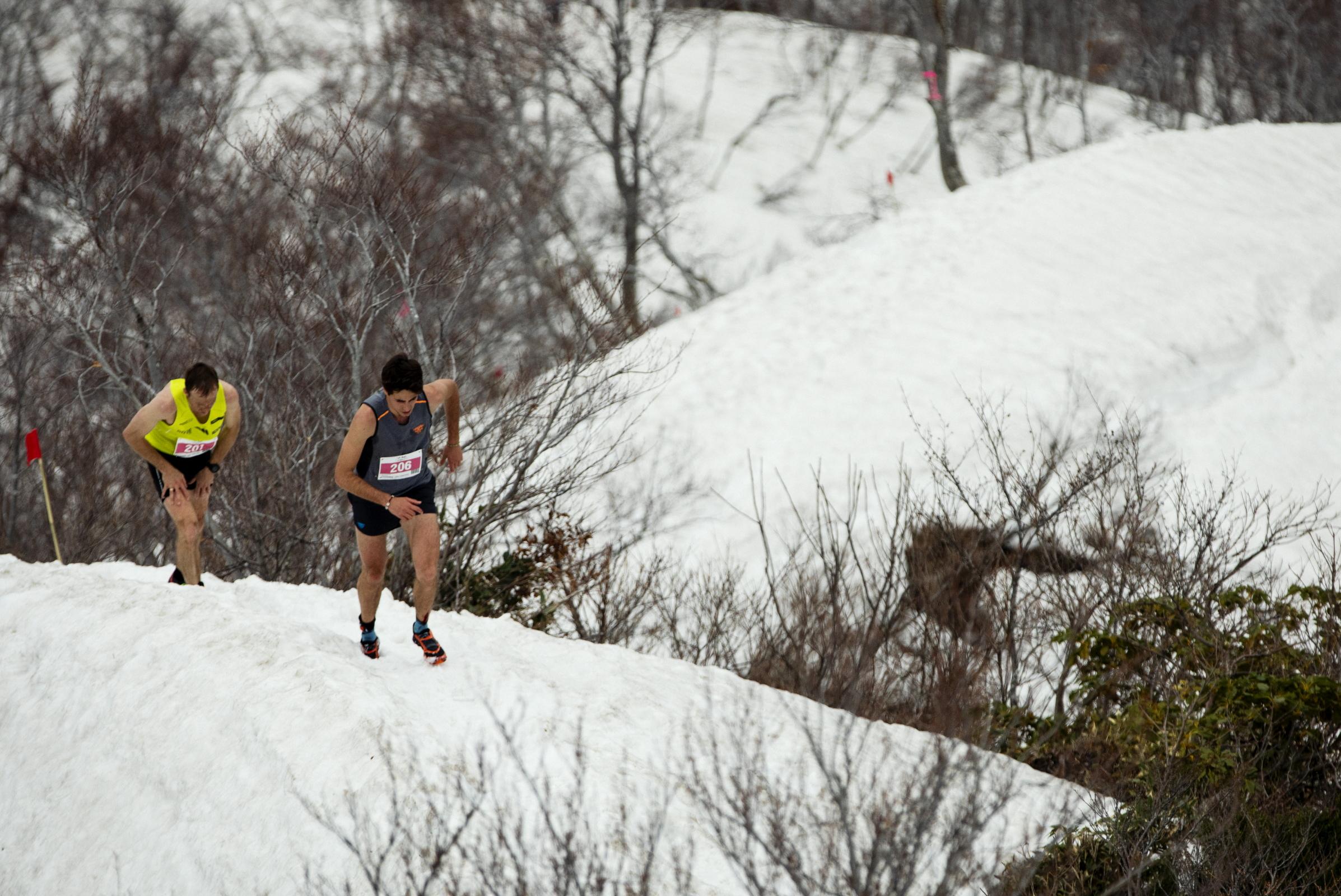 上田を追う、2位のオリオル・カルドナと3位のジョナサン・アルボン ©Sho Fujimaki