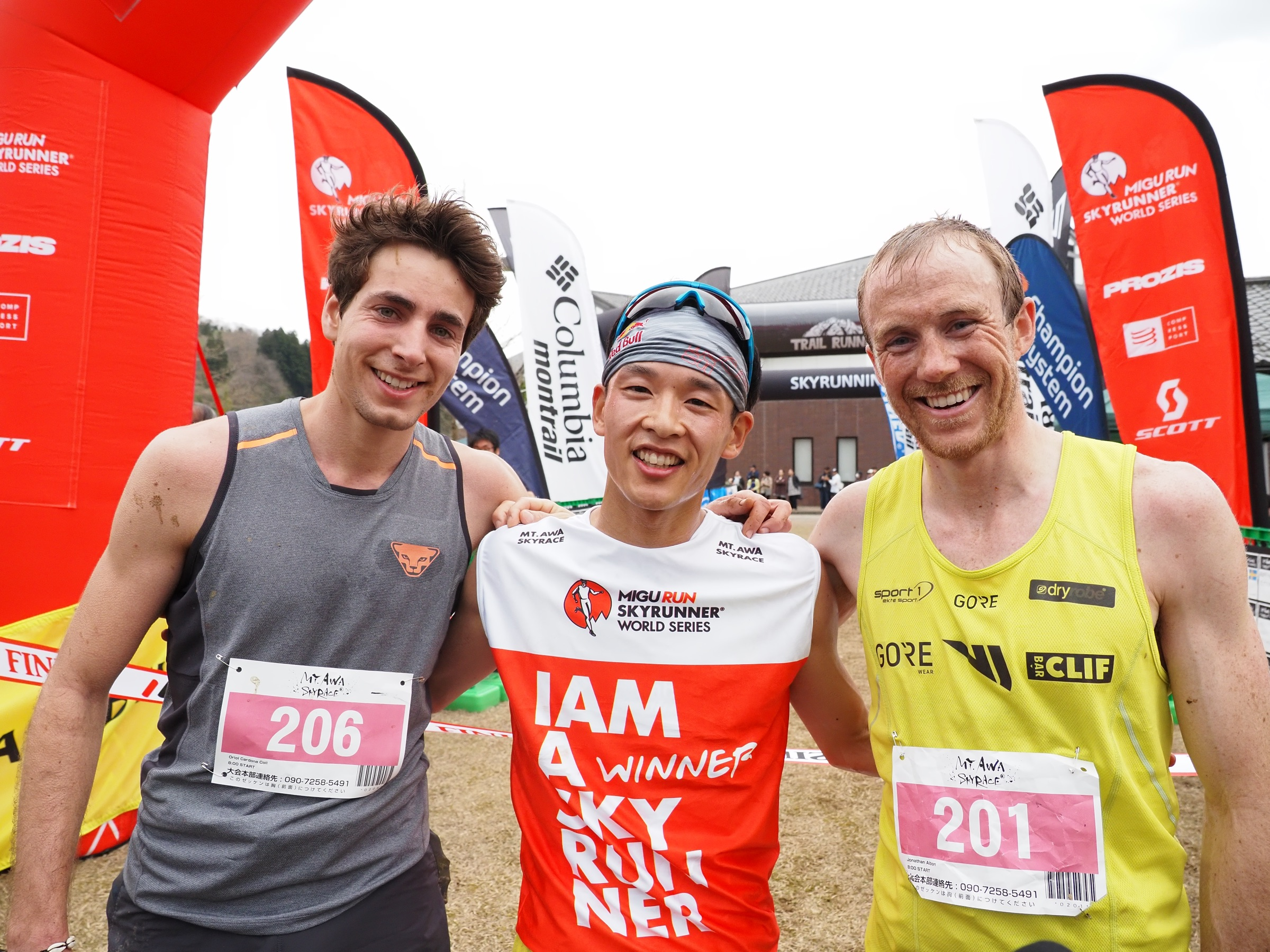 男子トップ3。左からオリオル、上田、ジョナサン ©Nagi Murofushi