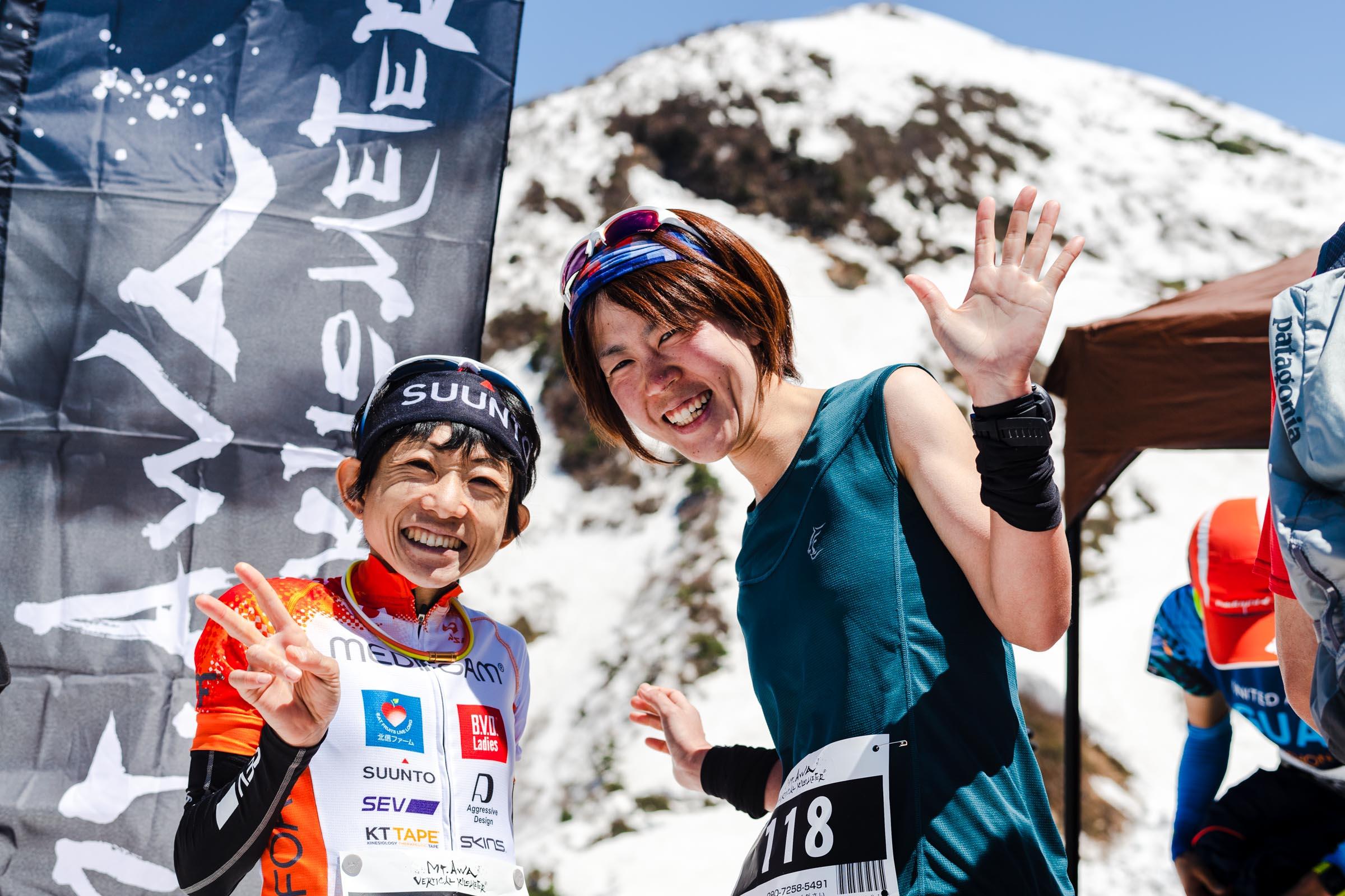 女子2位・3位の吉住(左)と立石(右) ©NAGI MUROFUSHI