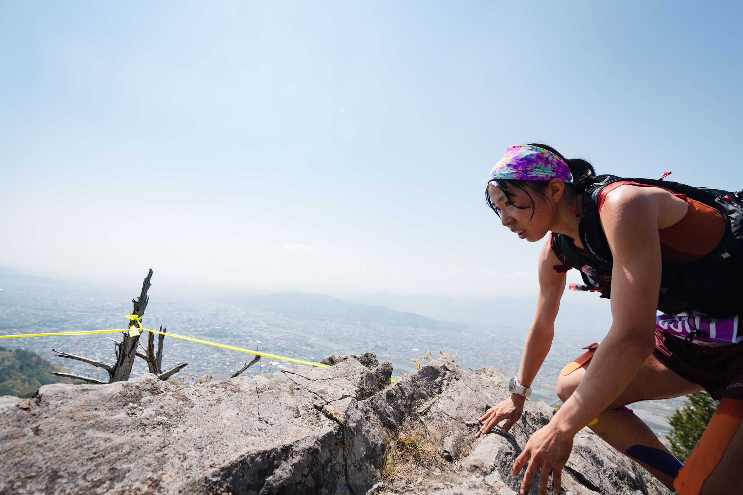 男子のトップを追いかける。高村の表情が良い ©UEDA VERTICAL RACE