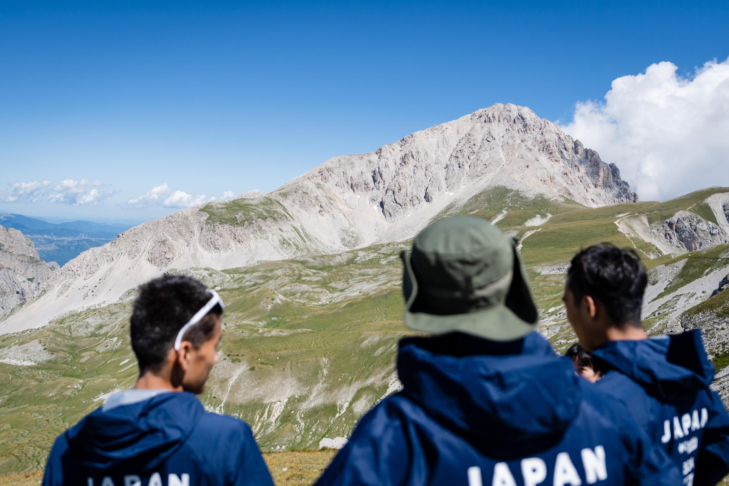 イタリア半島最高峰・グランサッソを望む ©NAGI MUROFUSHI