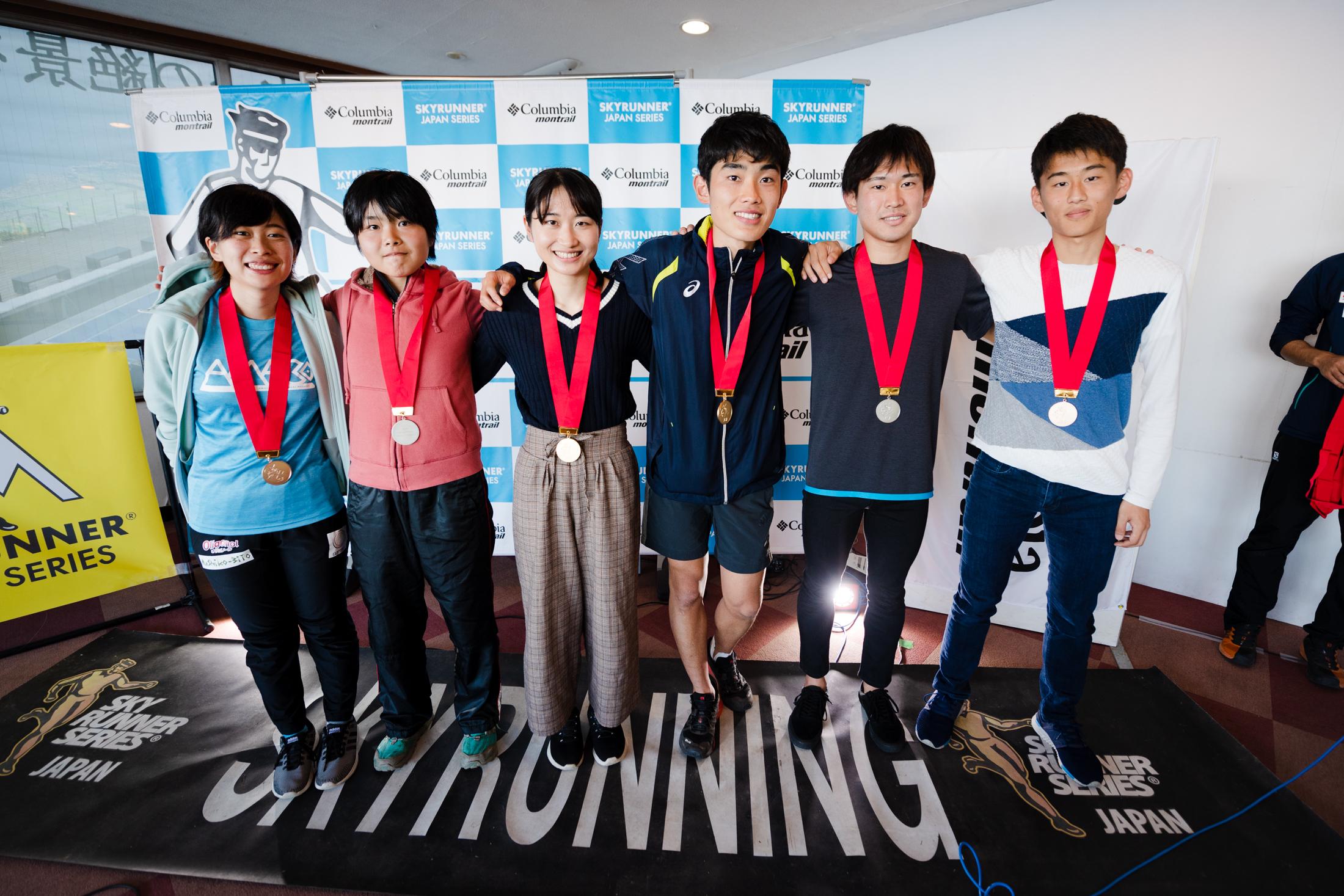 ユース日本選手権(代替レース)の表彰、左から安ケ平、若林、高橋、山口、小林、服部 ©びわ湖バレイスカイラン