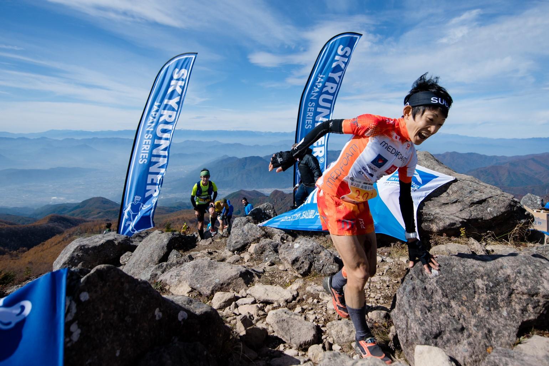 怪我をしながらも優勝した吉住 ©EBOSHI SKYRUN