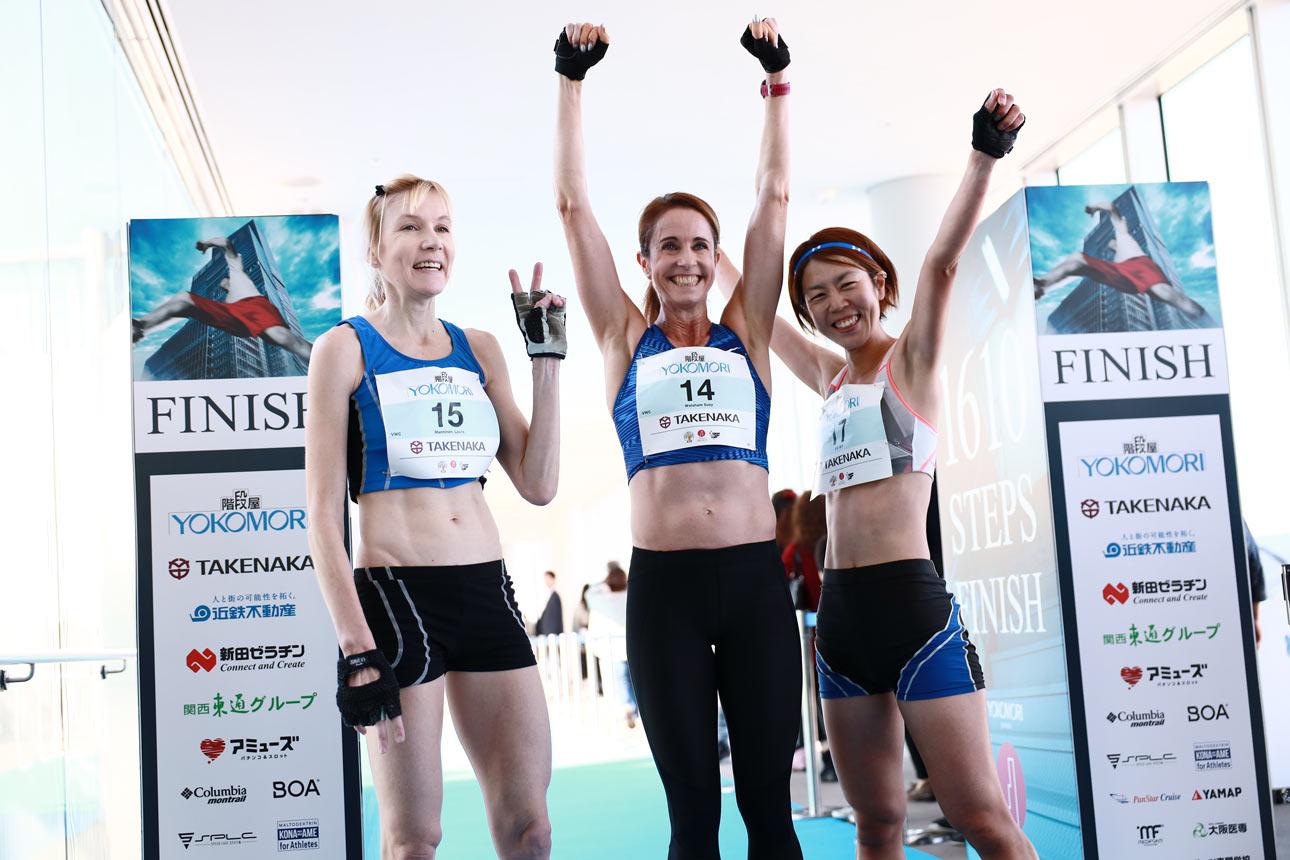 女子トップ3。左から、マンニネン、ウォルサム、立石 ©Sporting Republic